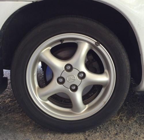 装備タイヤ